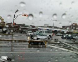 Ночью на Ватутина любитель скорости погиб на мокрой дороге