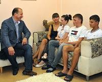 Губернатор Владимир Артяков посетил самарский детский дом №1