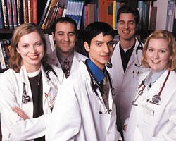 Медики-третьекурсники смогут работать по специальности