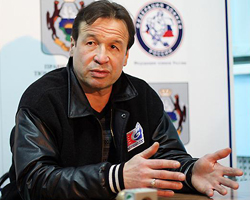 Мисхат Фахрутдинов, главный тренер ХК «Рубин»: «К отставкам в тренерской работе привыкнуть нельзя»