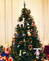 В Галерее традиционных промыслов украсили новогоднюю ель