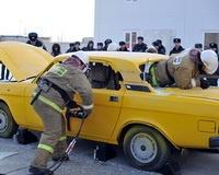 Сотрудники МЧС спасли в аварии манекены