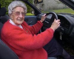 Пенсионеры – самые безопасные водители