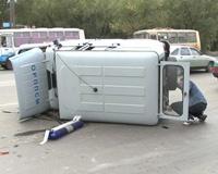 ДТП в Челябинске: милицейский УАЗ упал на Ford