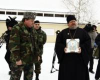 Бойцам челябинского ОМОНа вручили икону Матроны Московской