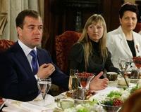 Президент РФ пообещал микроавтобус многодетной матери из Магнитогорска