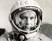Памятная плита летчику-космонавту Павлу Поповичу открыта в Магнитогорске