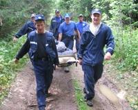 Спасатели эвакуировали туриста, сломавшего бедро при падении со скалы