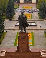На реконструкцию памятника Ленину в Челябинске направят 460 тысяч рублей