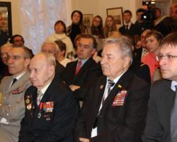 Ярославец Валентин Огурцов награжден золотой медалью «Ренессанс Франсез»