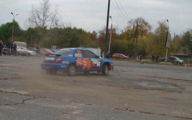 Ярославец поставил авто на два колеса