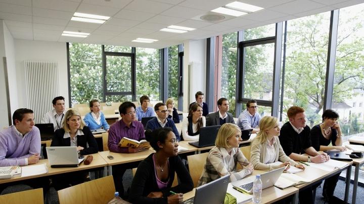 Презентация немецкого вуза IUBH в Новосибирске. Сдавайте экзамены в России — учитесь в Германии!