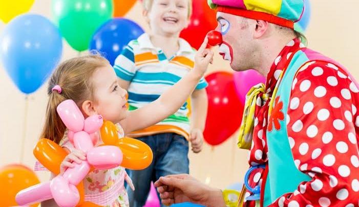 Клоун успокоил бушующего ребенка