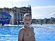 В бассейн входит 2400 отдыхающих!