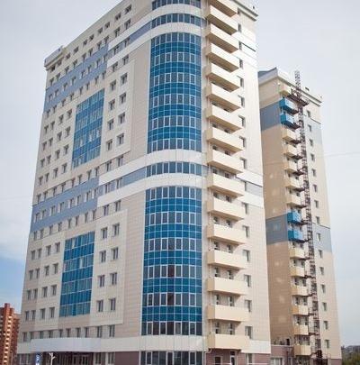 «Новая высота» — бизнес-центр с одной из самых больших парковок в Новосибирске